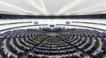 União Europeia. Bruxelas dá um passo atrás nos motores diesel