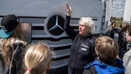 """Mercedes-Benz – Apoio à campanha """"Camiões e o ângulo morto"""""""