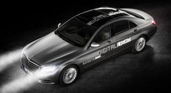 "Mercedes-Benz – Tecnologia ""Digital Light"" revoluciona faróis"