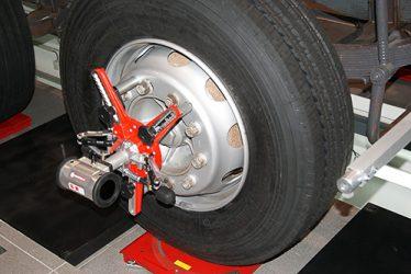 Reta. Novo serviço de pneus