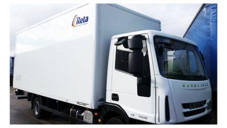 Reta. Serviço de aluguer de camiões