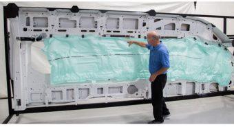 TRW. Desenvolve airbag de cortina para 5 filas da Ford Transit [vídeo]