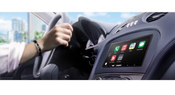 Alpine. Recetor digital iLX-700 compatível com CarPlay da Apple