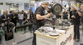 Automechanika. Ajuda os jovens com cursos práticos durante a feira