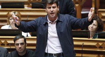 """Bruno Dias (PCP): """"O aumento de impostos está a traduzir-se num mercado paralelo sem precedentes"""""""